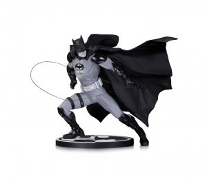 Batman Black and White. Statue By Ivan Reis 17 см